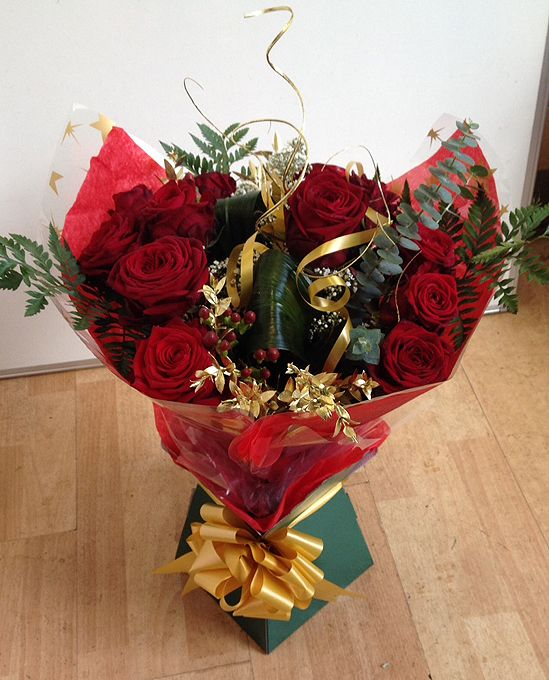 Christmas Roses Handtied
