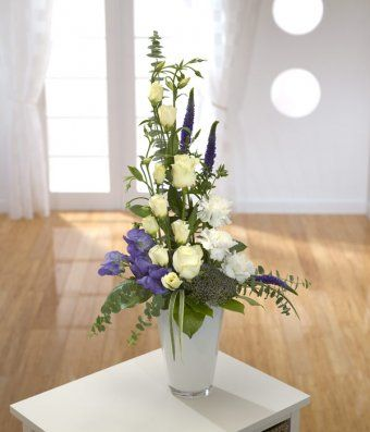 Stunning flower vase for business